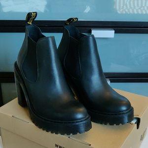 Dr. Martens Hurston Chelsea Boots